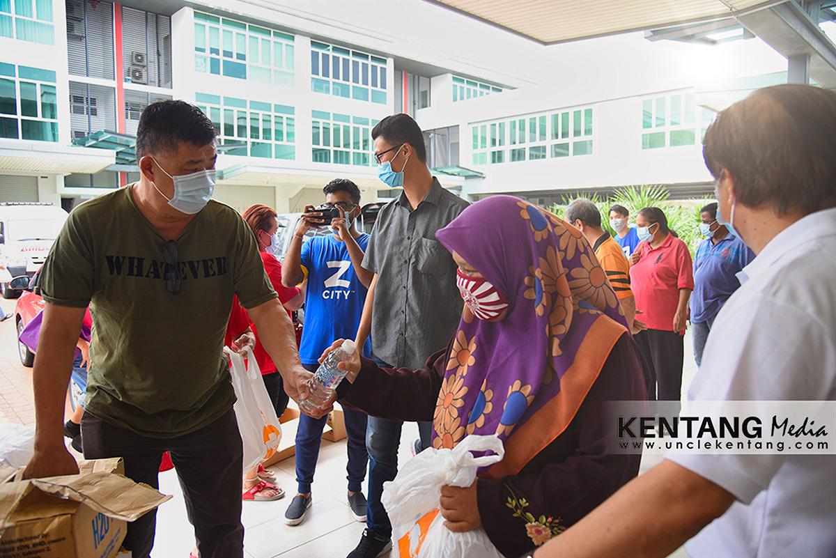 220 Pek Makanan Sumbangan ZCity Diagih Kepada Asnaf Puchong